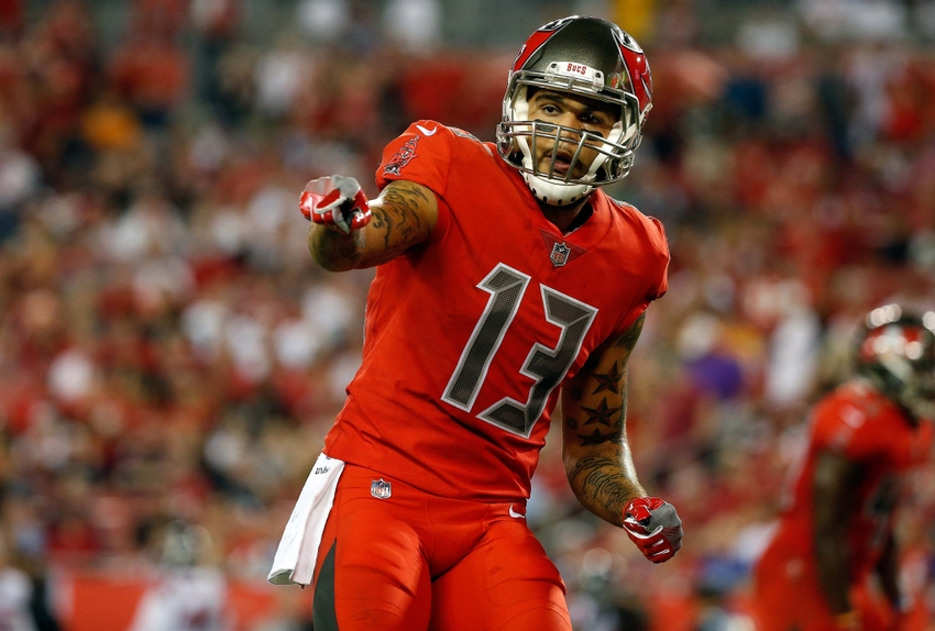 separation shoes cd5ba e7e67 Five Current Tampa Bay Buccaneers With Hall of Fame Chances ...
