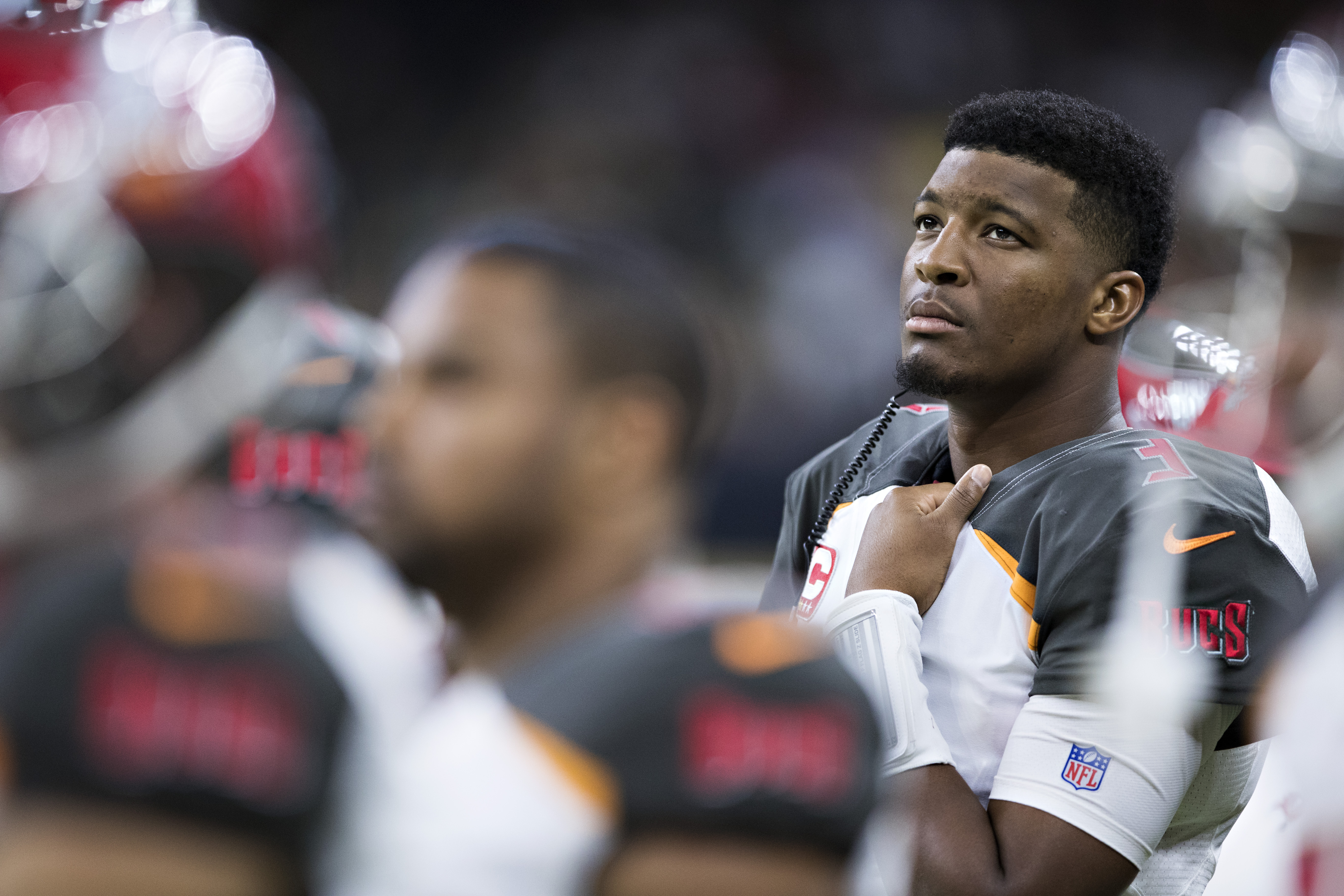 Bucs' QB Jameis Winston out at least 2 weeks with shoulder injury